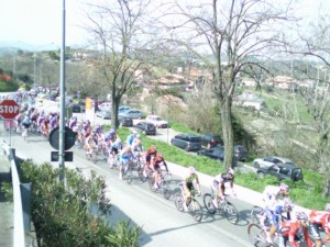 tireno adriatico peleton 300x225 Aparte week