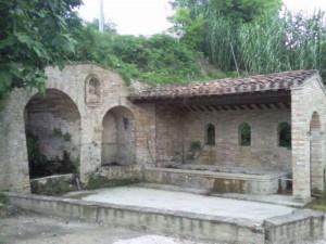 magna fonte 02 300x225 Fonte Magna, oude bron in Montottone