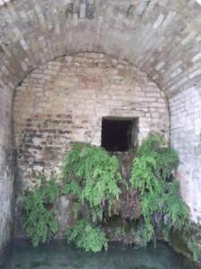 magna fonte 04 225x300 Fonte Magna, oude bron in Montottone