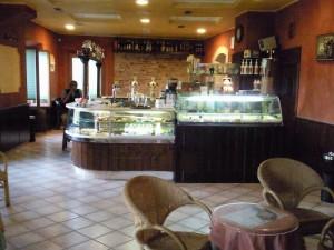 bar Rosita Montottone interieur 300x225 Niet alleen