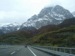 op weg naar Rome moeten we onder de Apenijnen door 300x225 Rome, minder dan 3 uur rijden(1)