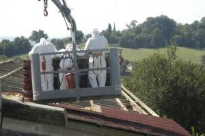 Het dak van de oude varkensstal gaat eraf 300x199 Bye bye Porcelaia(varkensschuur)