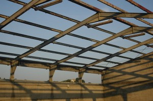 mooi zo zonder asbest dak 300x199 Bye bye Porcelaia(varkensschuur)