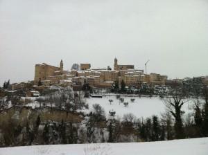montottone in de sneeuw 300x224 Sneeuw, sneeuw en nog eens sneeuw